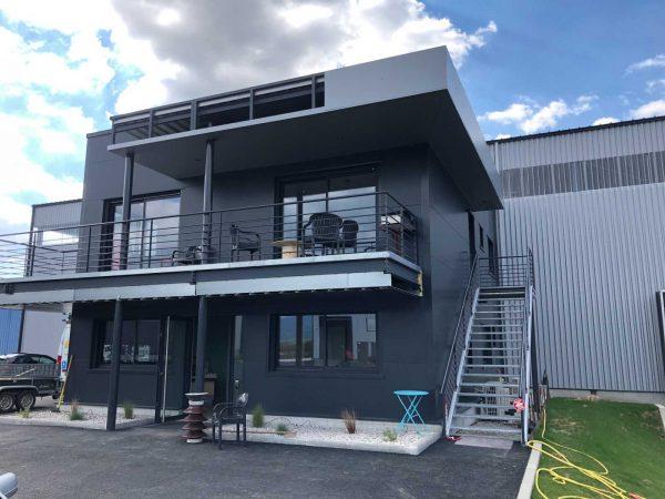 Balcon et escalier métallique